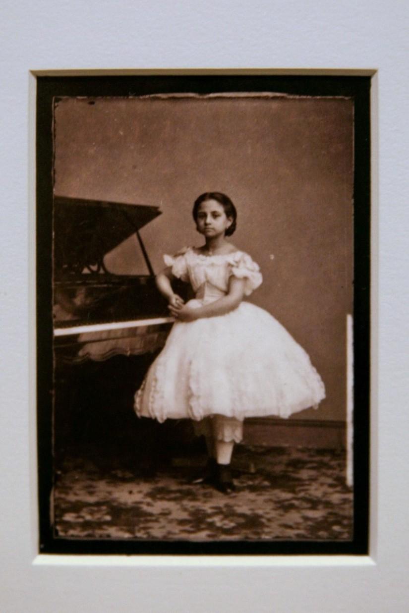 Teresa Carreño, c. 1862 (printed later), Modern albumen print from wet plate collodion negative by Mathew Brady Studio. Taken with permission from Flicker with CC license by Cliff1066.